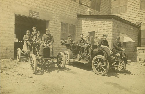 Sellers Motor Car Company employees and automobiles, Hutchinson, Kansas - Page