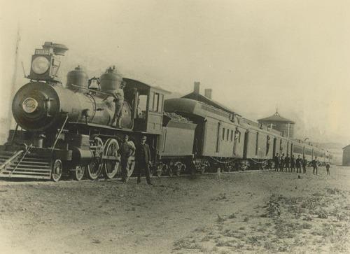 Atchison, Topeka & Santa Fe Railway Company's steam locomotive #592 - Page