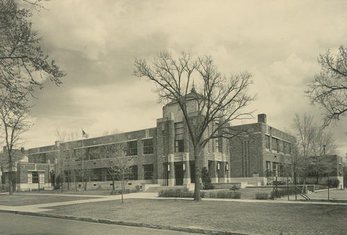 Photo of Sumner School, Topeka, KS, where Oliver Brown's daughter Linda was refused admittance