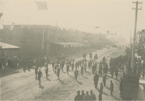 20th Kansas Volunteer Infantry's homecoming parade, Lawrence, Kansas - Page