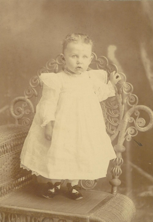 Julia Benjamin - Page