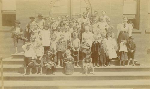 Gage School class, Topeka, Kansas - Page