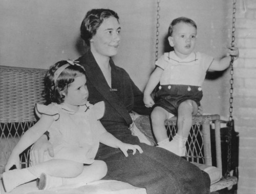 Theo Cobb Landon with children John Cobb and Nancy Jo - Page