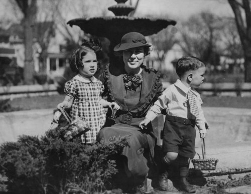 Mrs. Theo Cobb Landon with her children Nancy Jo and John Cobb - Page