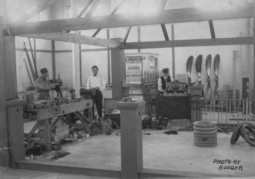 Longren's airplane company, Topeka, Kansas - Page