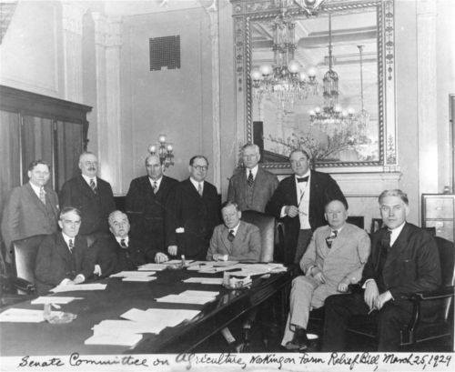 Arthur Capper with members of the Senate Committee on Agriculture - Page