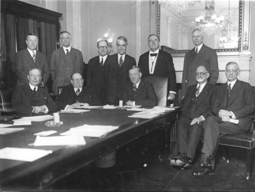 Arthur Capper with members of the Senate Agricultural Committee - Page