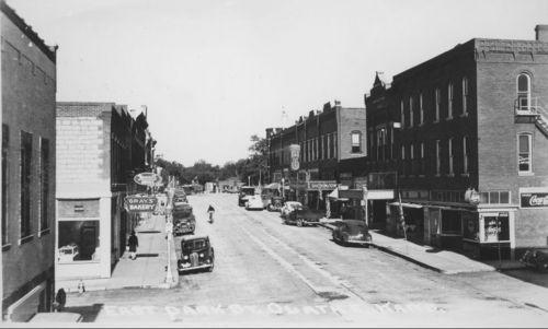 East Park Street, Olathe, Kansas - Page