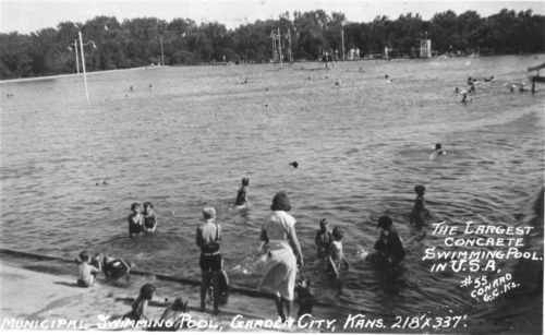 Swimming pools kansapedia kansas historical society for Garden city pool jobs