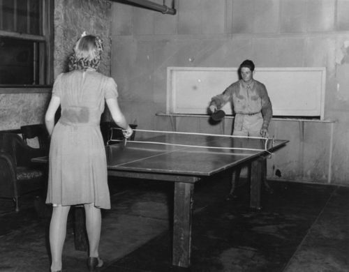 Playing table tennis - Page