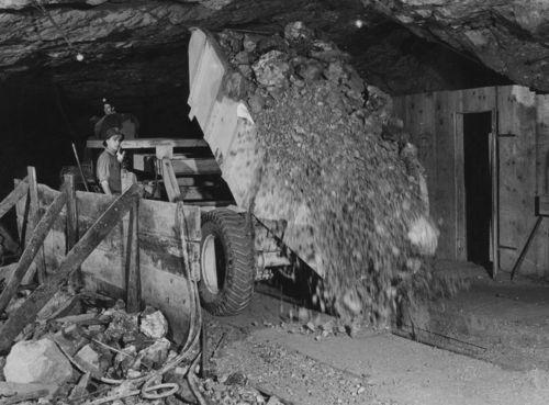 Mining zinc - Page