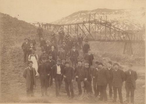 Atchison, Topeka & Santa Fe Railway Company's construction crew - Page