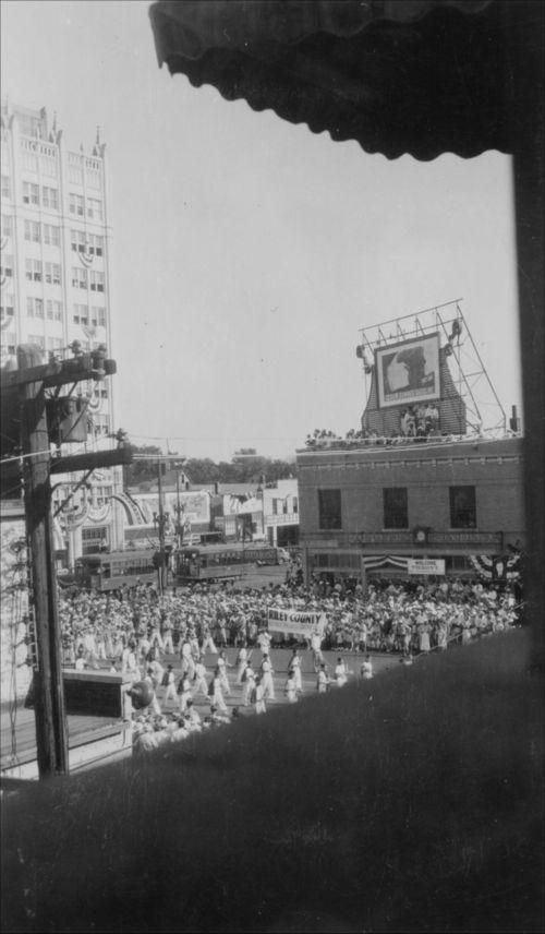 Alfred M. Landon's Notification Day Parade, Topeka, Kansas - Page