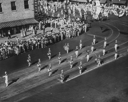 Alfred M. Landon's Notification Day parade, Topeka, Kansas - Page