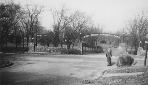 Photograph of entrance to John Brown Memorial Park, between 1928 and 1938