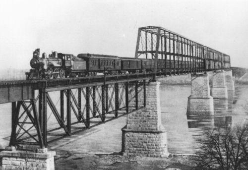 Atchison, Topeka & Santa Fe Railway Company bridge, Sibley, Missouri - Page