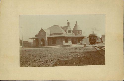 Atchison, Topeka & Santa Fe Railway Company depot, Leavenworth, Kansas - Page
