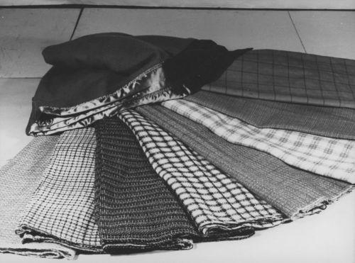 Woven fabrics display - Page