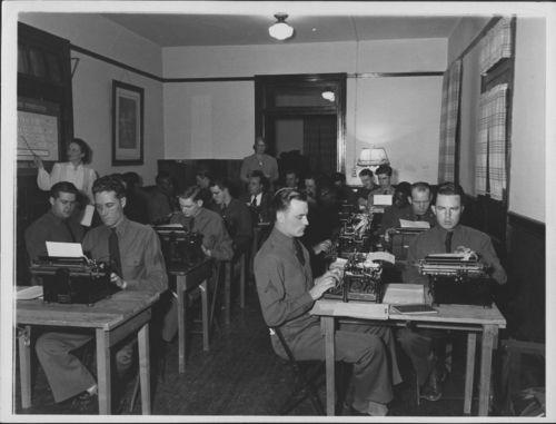 Typing class, Fort Leavenworth, Kansas - Page