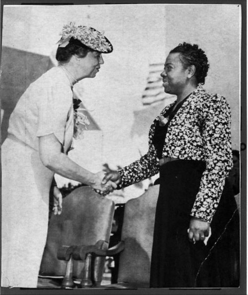 Eva Jessye with Eleanor Roosevelt, circa 1940