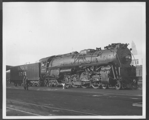 Atchsion, Topeka, & Santa Fe Railway Company's steam locomotive #3761. - Page