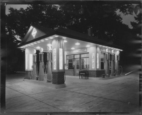 Skelly gasoline station, Marysville, Kansas - Page