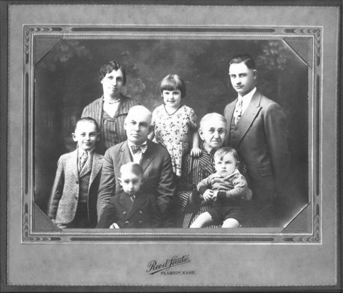 Helen Mars (Thomas) Rood and family - Page