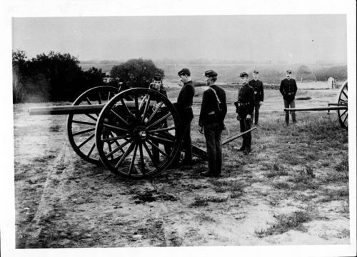 Cannon and soldiers, Fort Riley, Kansas - Page