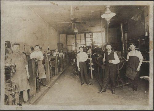Shoe shop, Topeka, Kansas - Page