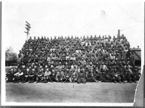 Atchison, Topeka & Santa Fe Railway shop employees, Topeka, Kansas - Page