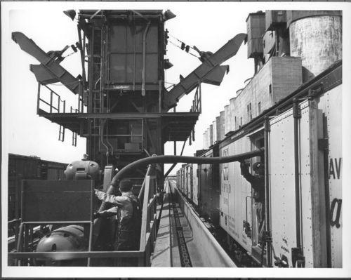Atchison, Topeka & Santa Fe Railway Company's  mechanical icing machine, Argentine, Kansas - Page