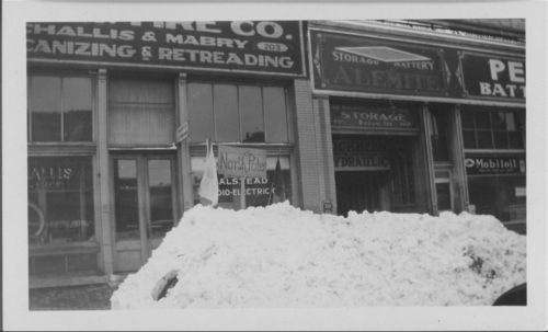 Snow piles and drifts, Topeka, Kansas - Page