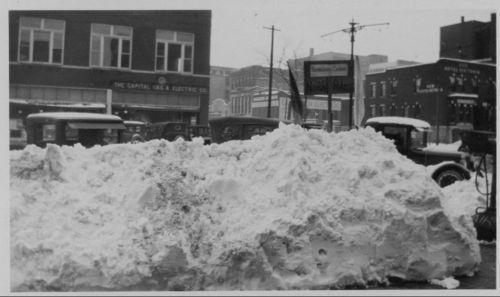 Snow piles and drifts, Topeka, Kansas - Page