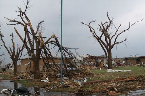 Tornado damage, Greensburg, Kansas - Page