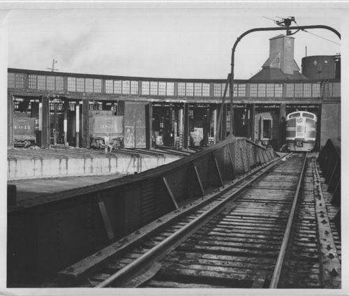 Atchison, Topeka & Santa Fe Railway Company roundhouse, Kansas City, Kansas - Page