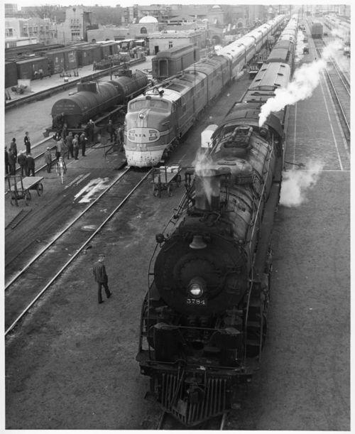 Atchison, Topeka & Santa Fe Railway Company's steam locomotive #3784 - Page