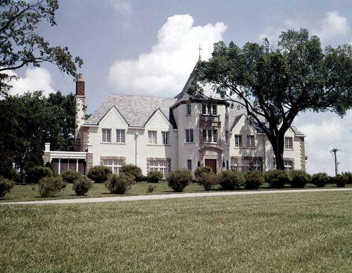 Cedar Crest Topeka, Kansas - Page