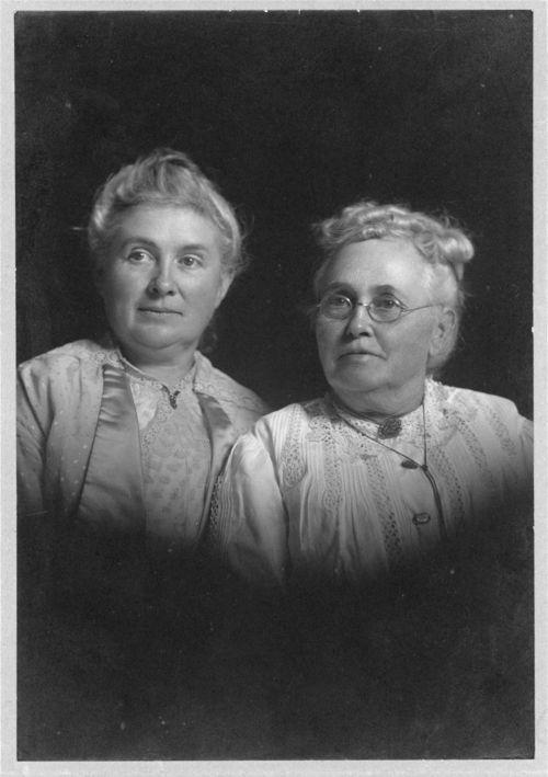 Clara Livona McCreery Howe and Melvia McCreery Dye - Page
