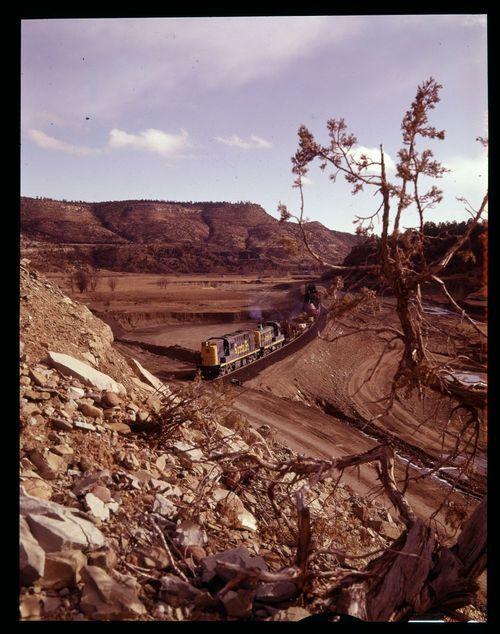 Atchison, Topeka & Santa Fe Railway Company freight train, New Mexico - Page