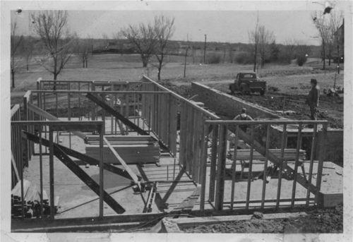 Harold Jasperson residence, 425 Danbury Lane, Topeka, Kansas - Page