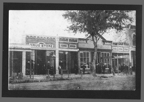 Poyntz Avenue, Manhattan, Kansas - Page