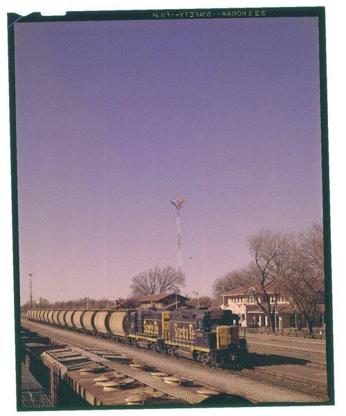 Atchison, Topeka & Santa Fe Railway Company unit train, Clovis, New Mexico - Page