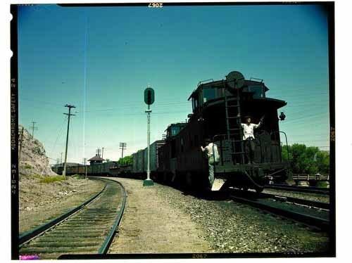 Atchison, Topeka & Santa Fe Railway Comopany freight train, Barstow, California - Page