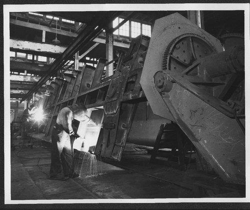 Atchison, Topeka and Santa Fe Railway Company shops, Topeka, Kansas - Page