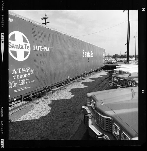 Atchison, Topeka & Santa Fe Railway Company tri-level auto carrier - Page