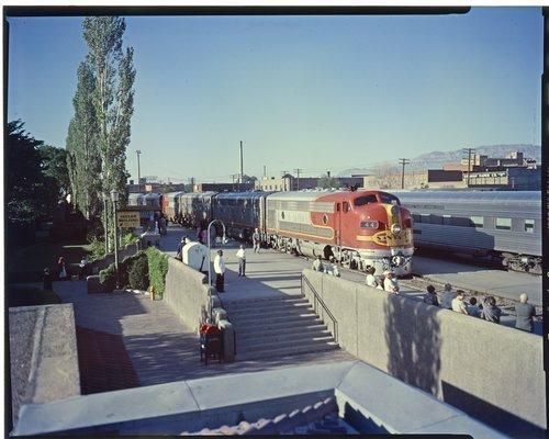 Atchison, Topeka and Santa Fe Railway Company train Super Chief,  Albuquerque, New Mexico - Page
