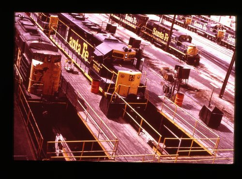 Atchison, Topeka & Santa Fe diesel locomotive servicing pits - Page