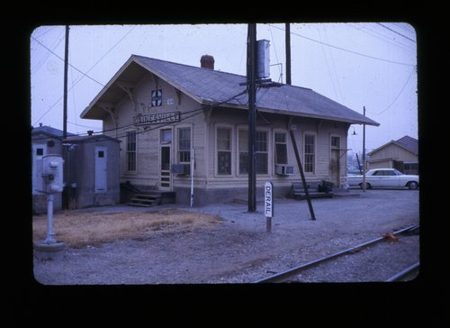 Atchison, Topeka & Santa Fe Railway Company depot, Gainsville, Texas - Page
