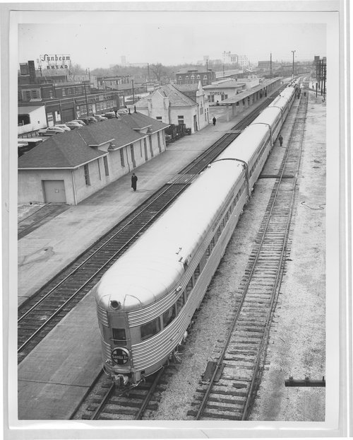 Atchison, Topeka & Santa Fe passenger train No. 12, The Chicagoan, in Topeka, Kansas - Page