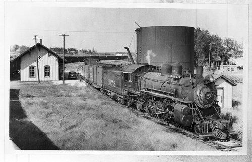 Atchison, Topeka and Santa Fe Railway Company train, Alma, Kansas - Page